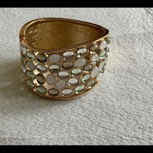 ✨2/$24✨ 💫 Gold bangle with shiny stones 💫